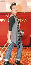 譚詠麟61歲生日與歌迷慶祝